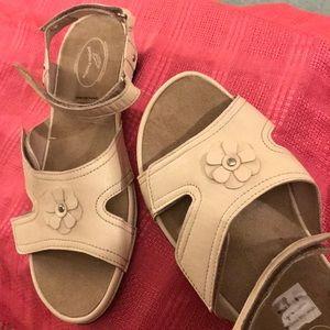 Adjustable sandals, bone, size 8.5 NEW